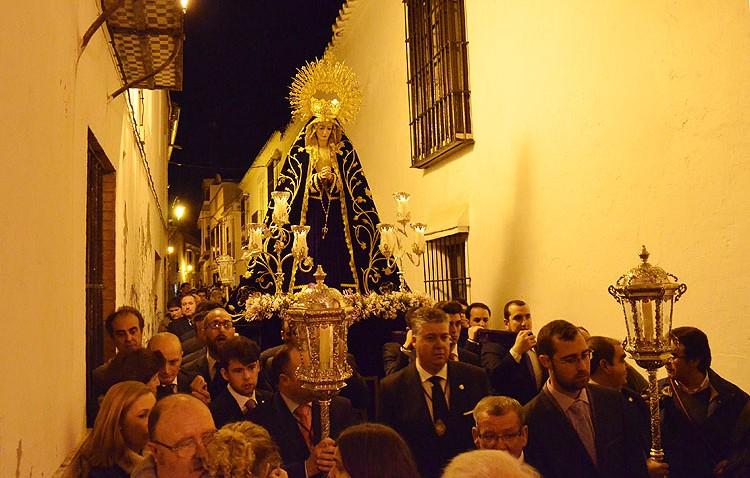 Un brillante cierre a la Cuaresma, con la Virgen de las Angustias (GALERÍA)