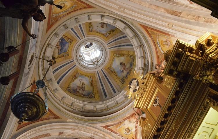Nueva iluminación artística para las capillas del Cautivo y del Cristo de Santiago