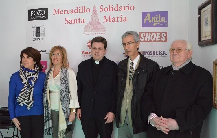 Éxito en el comienzo del mercadillo solidario a favor de Cáritas de Santa María