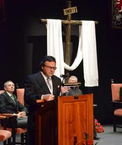 Manuel Curao presentó al pregonero