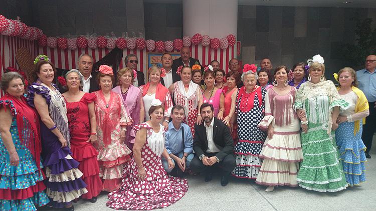 Utrera destaca en el certamen provincial de sevillanas para personas mayores