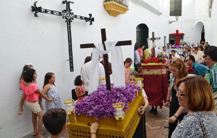 Los «pasitos» volverán a ser protagonistas del certamen de cruces de mayo de la hermandad de los Estudiantes