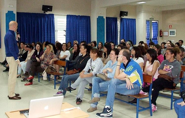 Una escuela en Utrera para educar a los padres