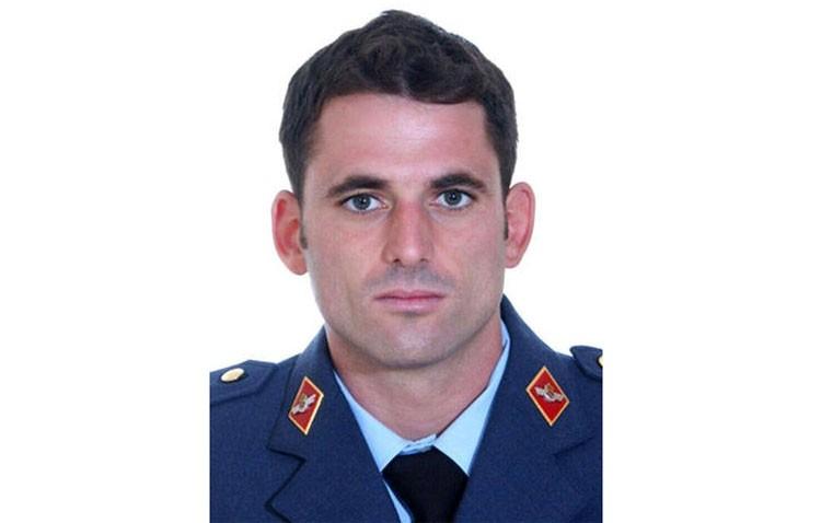 Una campaña por Internet pide dedicar el parque infantil de Los Militares al piloto fallecido en un accidente en Morón