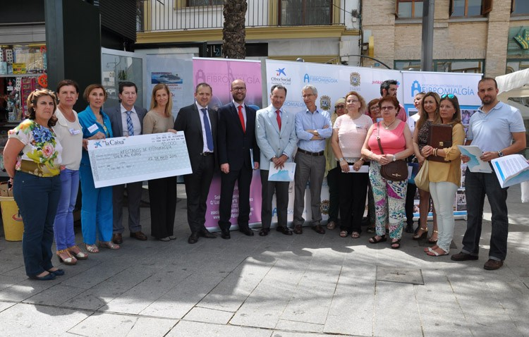 La asociación de afectados de fibromialgia recibe una ayuda de 10.000 euros
