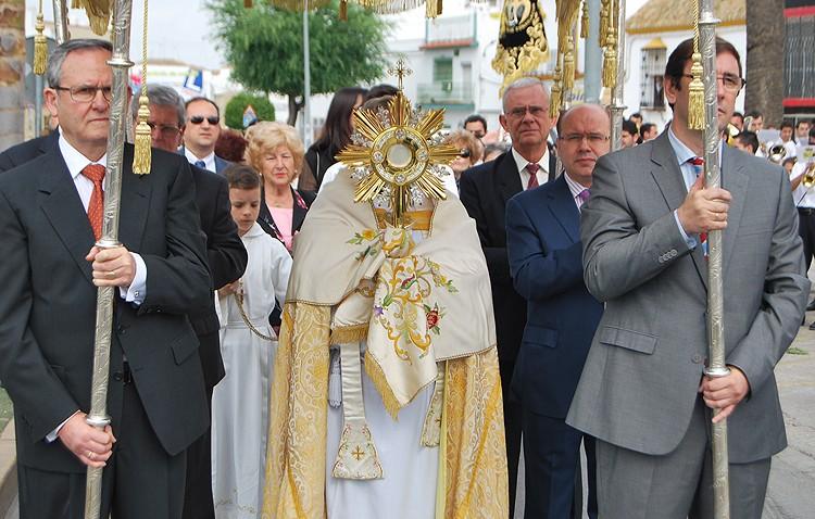 La parroquia de San José plantea constituir una hermandad sacramental