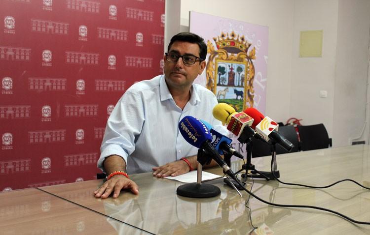 Presentan una querella contra Villalobos por prevaricación y piden 15 años de inhabilitación para cargo público