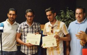 Christopher Jiménez y Jonathan Jiménez (en el centro) son autores de la marcha «55 aniversario»