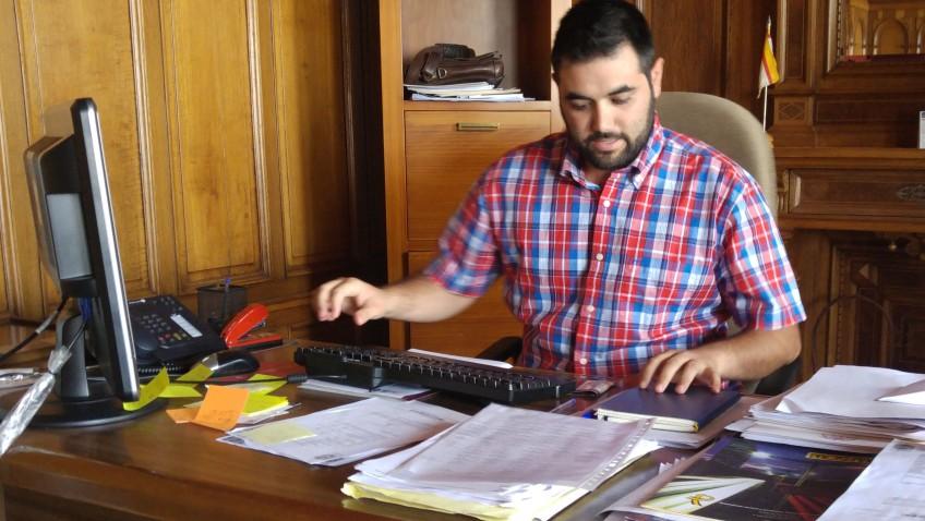 Carlos Guirao (IU) inicia ronda de visitas para estudiar los problemas de las barriadas