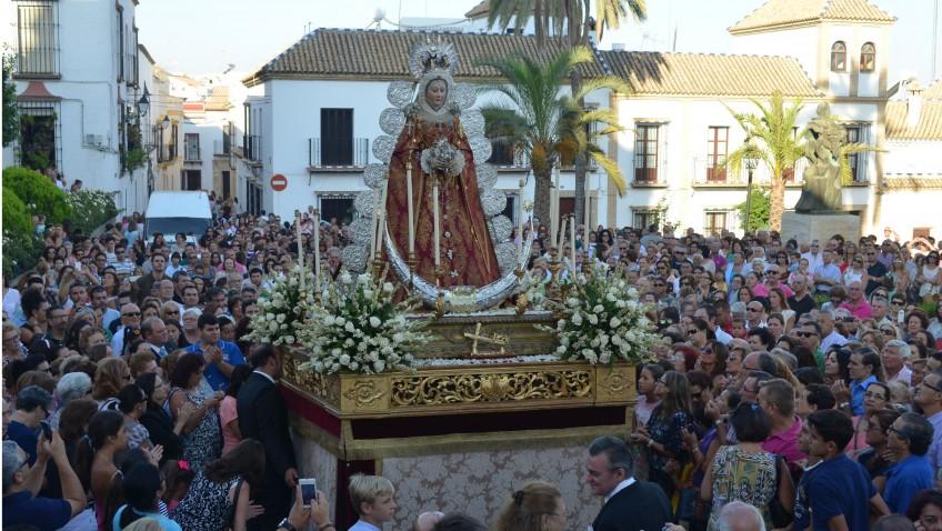 Festividad de la Asunción con la procesión de la Virgen de la Mesa