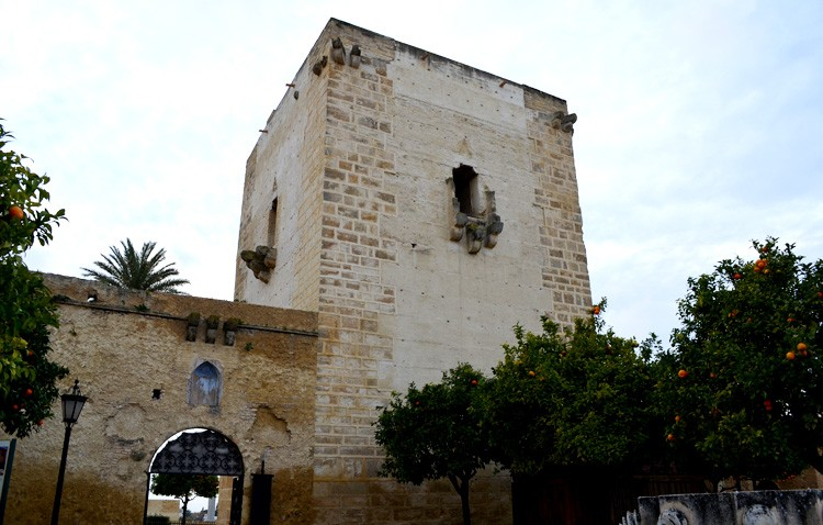El PP pide al alcalde que coloque la bandera de España en el castillo y en la entrada de Utrera el 12 de octubre