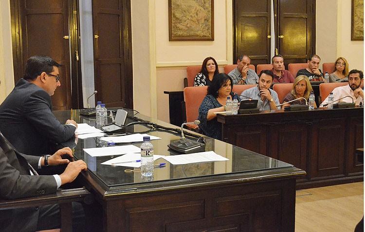 Tremenda bronca entre la portavoz del PA y el alcalde en el pleno (AUDIO)