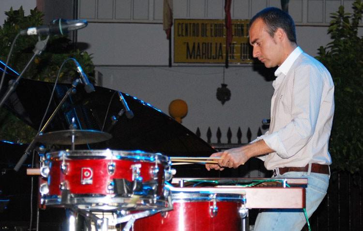 Concierto del percusionista utrerano Antonio Moreno en el teatro