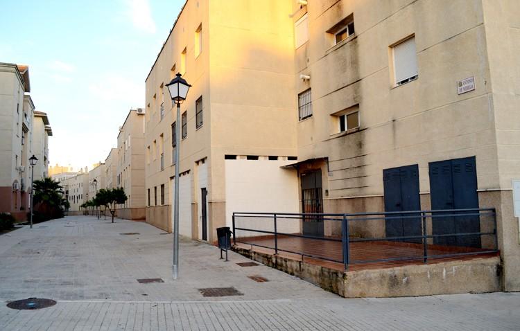 Las 40 viviendas sociales de Antonio de Nebrija «podrían salir a subasta por la inacción del alcalde y su gobierno»