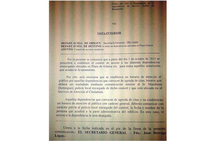 Nueva marcha atrás de Villalobos, cerrando las «puertas abiertas» del ayuntamiento que tanto prometió