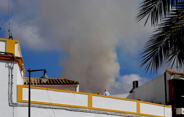 Incendio en la parte alta de una vivienda en la calle Virgen de Consolación