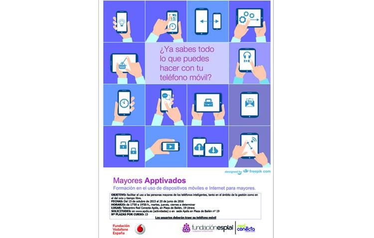 Talleres para que los mayores aprendan a usar sus teléfonos móviles inteligentes