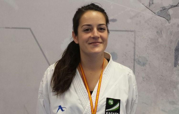 Cristina Mancera consigue la medalla de bronce en el campeonato de España de Karate