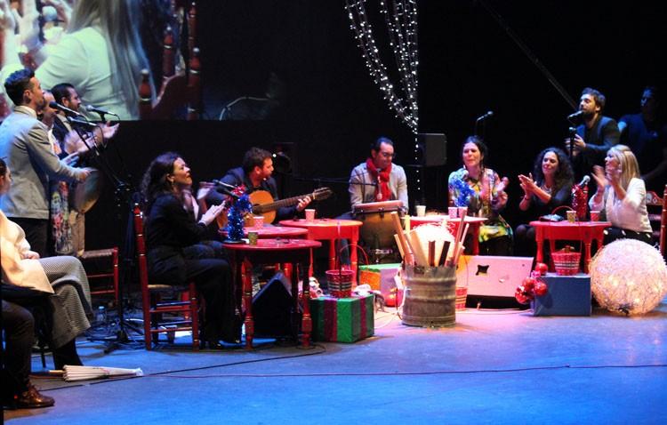 Éxito rotundo del coro Hermandad con su espectáculo navideño