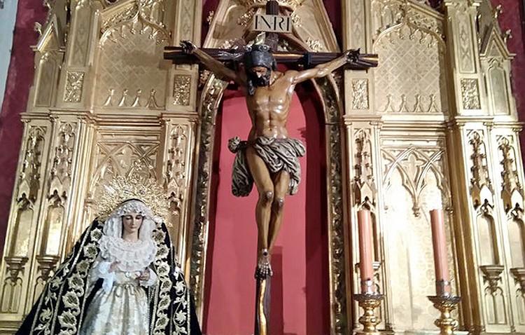 Las imágenes de la hermandad de los Estudiantes estrenan emplazamiento en la capilla del Carmen