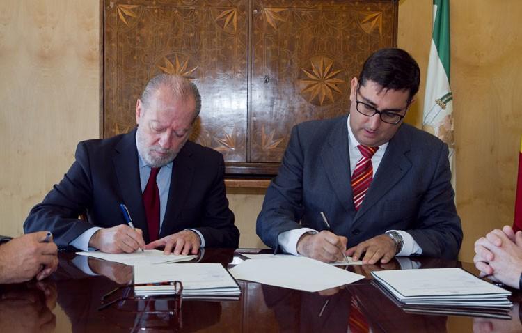 El Ayuntamiento entrega a la Diputación la gestión y cobro de ocho millones de euros del IBI