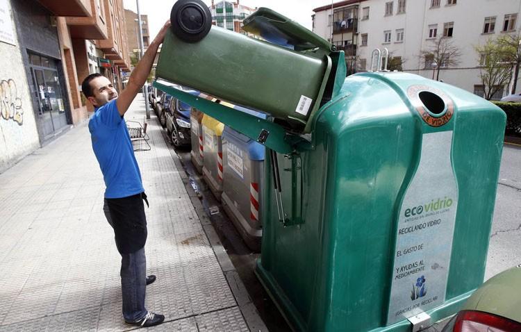 Una campaña para impulsar el reciclaje de vidrio entre los establecimientos hosteleros