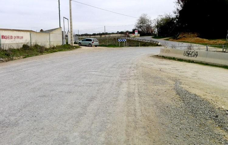 El alcalde afirma «continuar adelante» con su compromiso de asfaltar el tramo pendiente del camino de Utrera a Los Molares