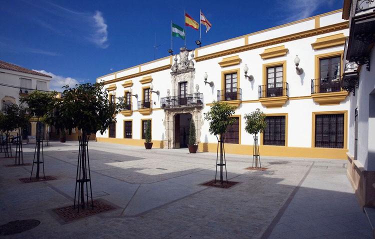 El Ayuntamiento anuncia una tasa para las empresas energéticas y la bonificación de las herencias