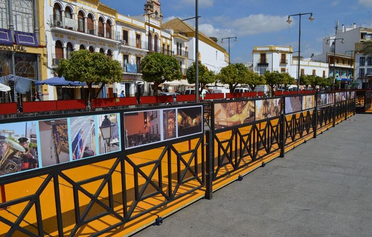 Una veintena de fotógrafos ilustran los paneles de la carrera oficial de Utrera