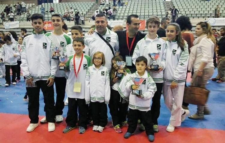 Éxito utrerano en el campeonato de España infantil de Karate
