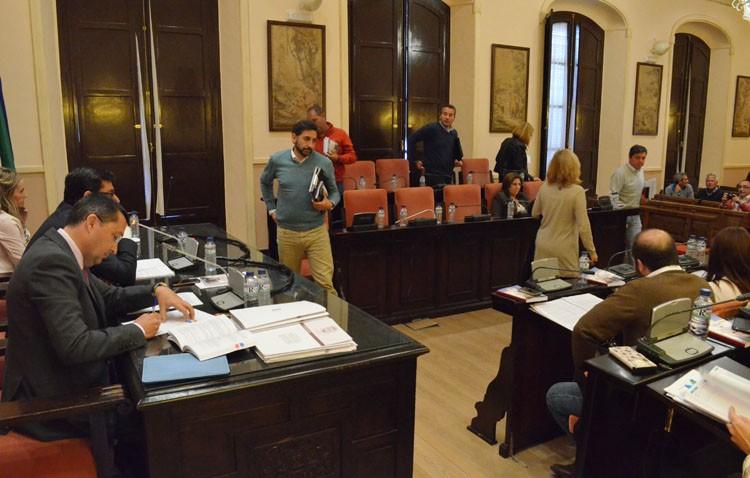 El PA abandona el pleno ante la actitud «antidemocrática y prepotente» de Villalobos (AUDIO)