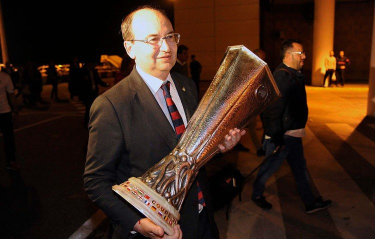 La copa de la UEFA Europa League durmió en Utrera (AUDIO)