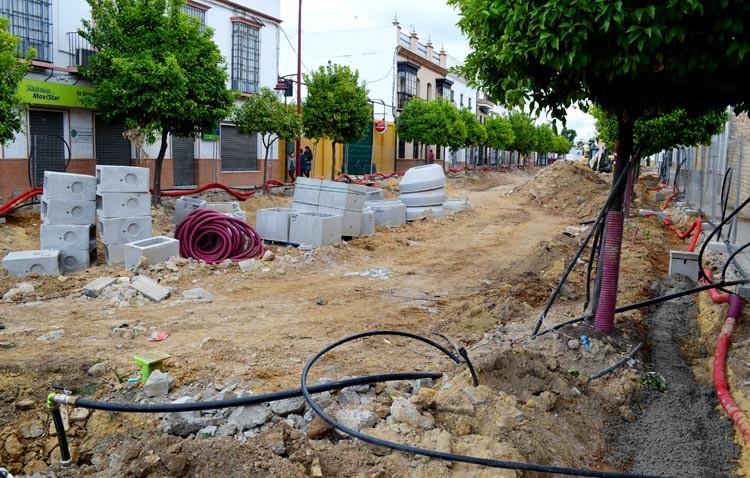 El alcalde asegura que las obras de La Corredera «no tienen retraso por ahora aunque la percepción sea otra»