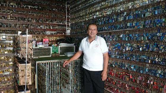 Un sevillano consigue el récord Guinness por su colección de llaveros