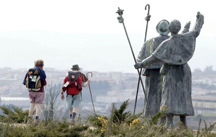 El grupo de animación sociocultural «Los Osos» propone hacer el Camino de Santiago