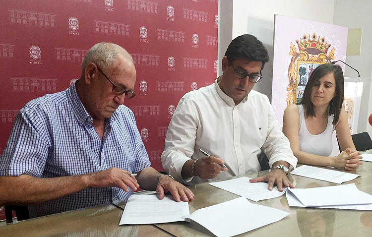 La asociación proactividades de mayores firma su convenio anual con el Ayuntamiento