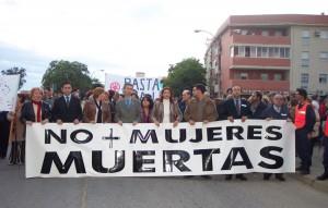 Cabecera de la manifestación de 2004 contra el asesinato