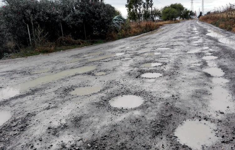 El Ayuntamiento reitera su compromiso de asfaltado del camino de Los Molares