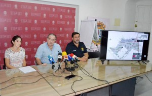 Begoña Sánchez, Vicente Llanos y Juan Diego Carmona, durante su comparecencia