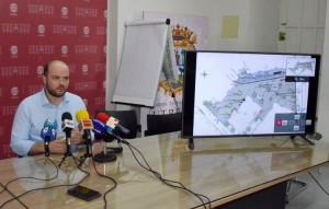 El concejal de Seguridad Ciudadana, en la rueda de prensa sobre las obras