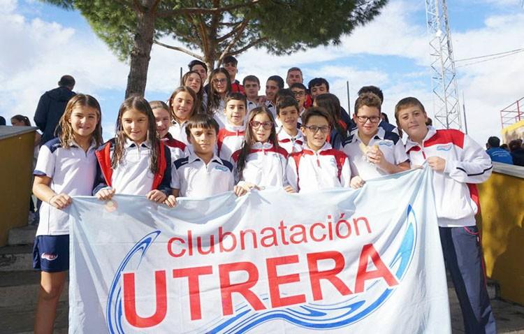 Éxito del Club Natación Utrera en el trofeo «Nuestra Señora del Águila»