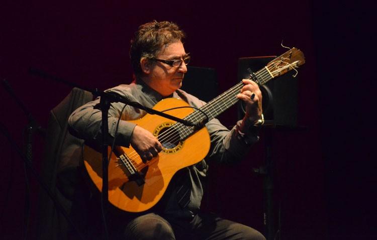 Un homenaje flamenco a la guitarra de Pitín