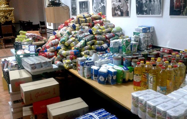 La hermandad de los Gitanos organiza su ensayo solidario para recoger alimentos