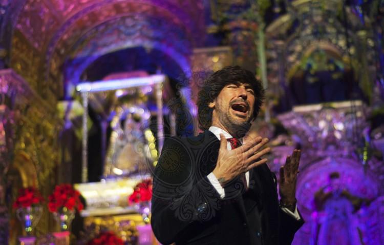 Manuel Lombo regala a Utrera una noche de magia, emoción y compás navideño en Consolación (IMÁGENES)