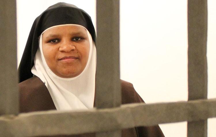 Sor Rosa María Nduku, una keniata al frente de las Madres Carmelitas en Utrera