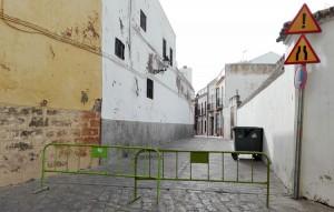 La calle Bohórquez es abierta y cerrada al tráfico sin previo aviso