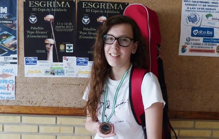 Belén Barrera sitúa al Club de Esgrima Utrerano en la tercera posición del Campeonato de Andalucía