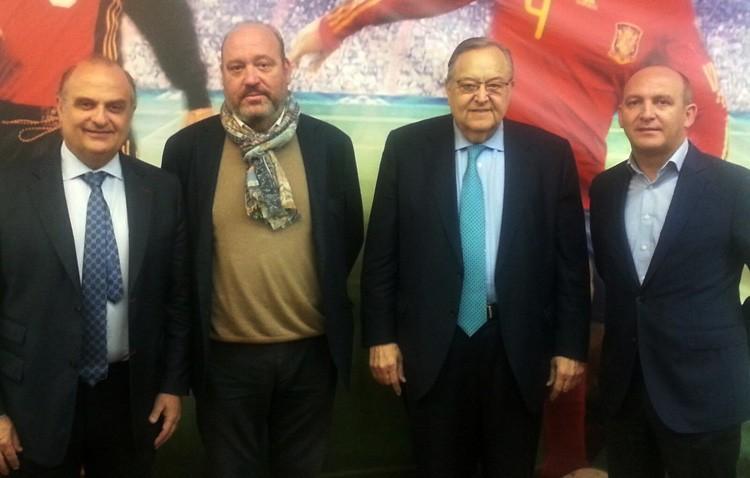 La directiva del C.D. Utrera se presenta ante la Federación Andaluza de Fútbol