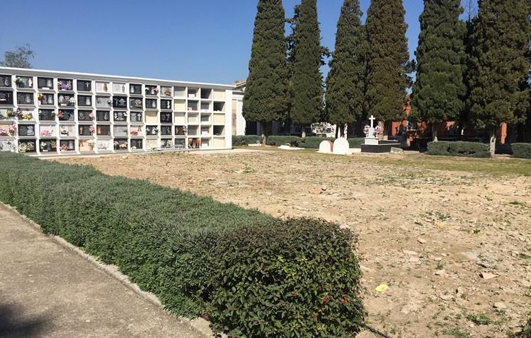 El georradar señala el posible emplazamiento de una fosa común en el cementerio de Utrera