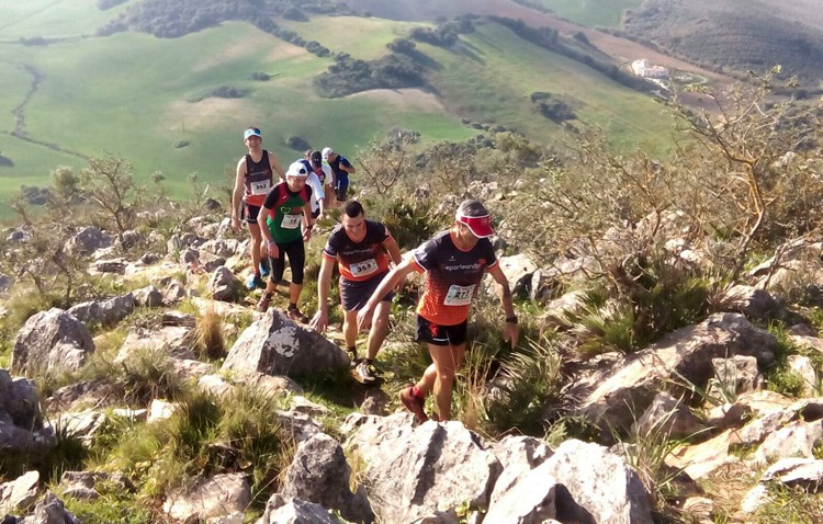 El Club Deporteando Utrera, presente en la carrera de Montellano y en una benéfica en las 3000 Viviendas